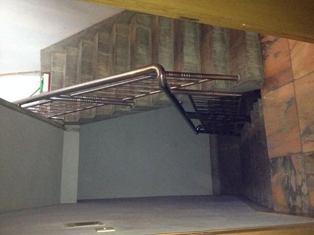 装修一个家庭宾馆,三层楼总共300平方左?#19994;?#25151;子怎么装合理,要有装修